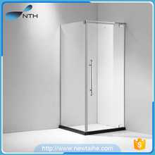 Square style sliding door shower room